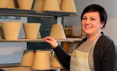 Kovács Karolina keramikus iparművész megyei Prima Primissima díjas